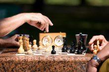 игра в шахматы на время