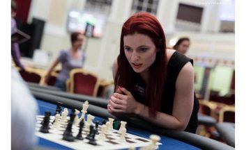 Дженнифер Шахаде шахматы