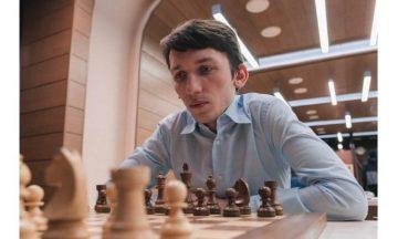 Григорий Опарин шахматист фото