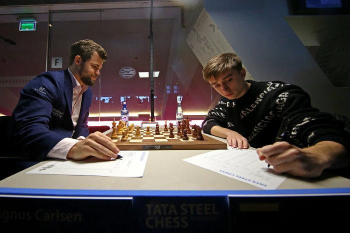 """Карлсен: """"Это время онлайн-шахмат"""""""